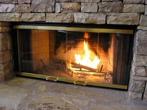 Как выбрать огнеупорное стекло для камина