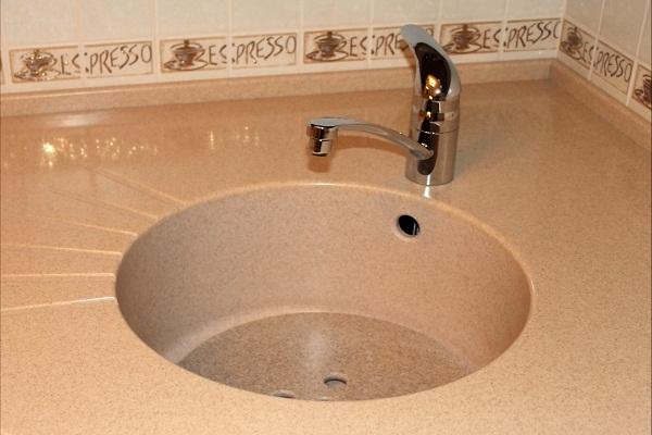 Как выбрать каменную мойку для своего дома?
