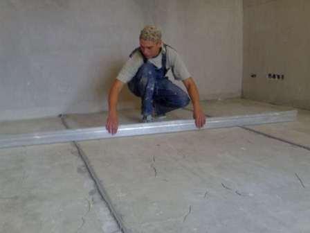 Выравнивание стен при помощи глубокого шпаклевания