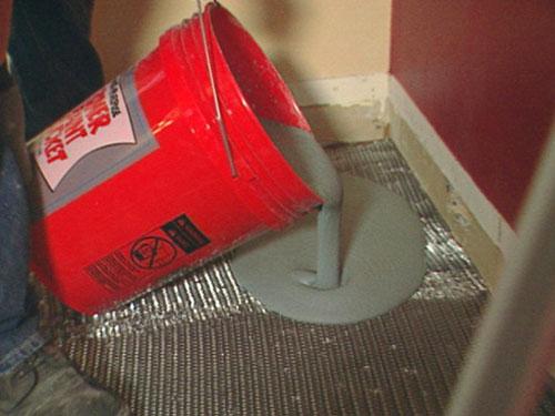 Заливка и распределение бетона