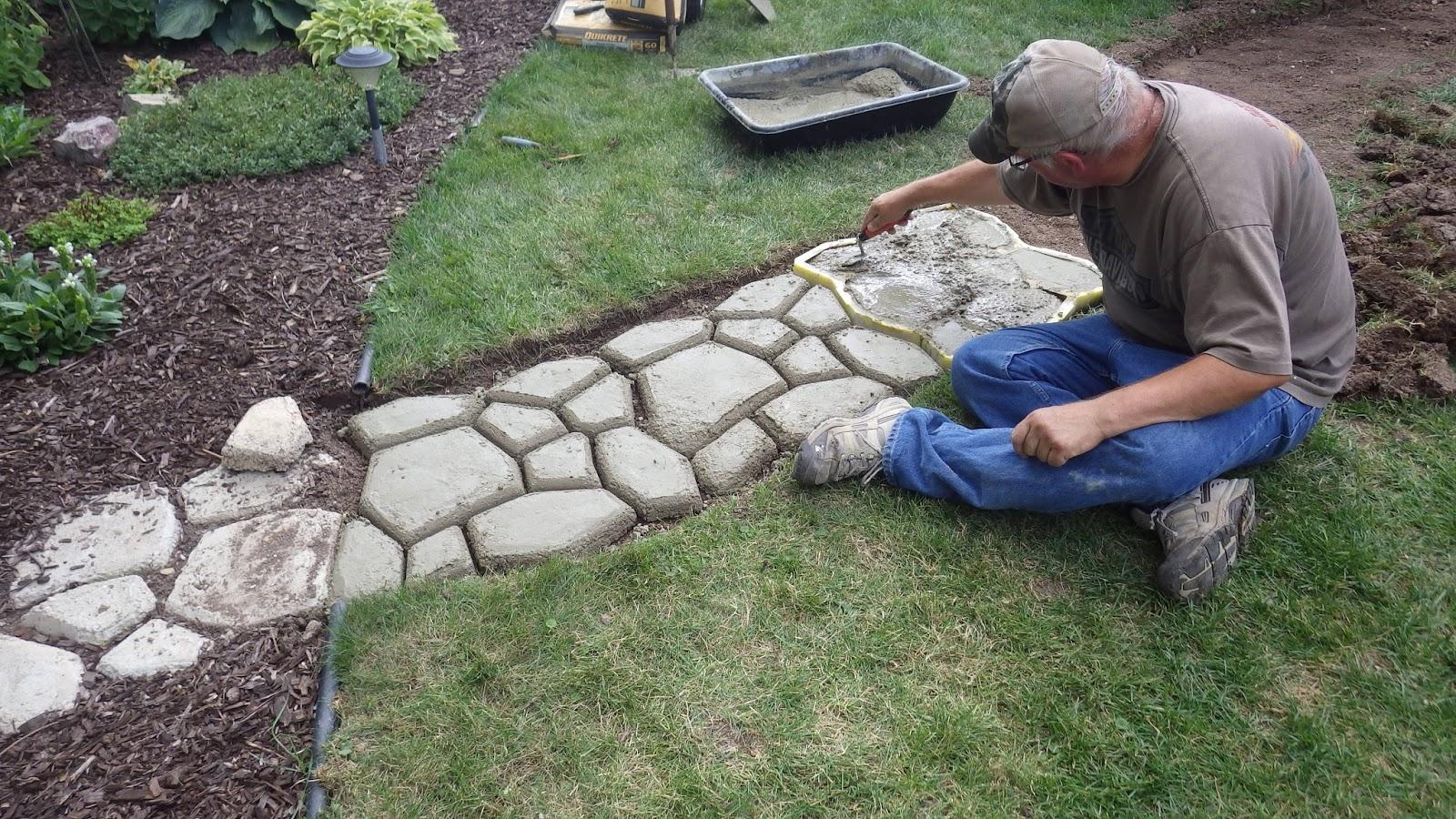 Дорожки на даче и садовые дорожки: как сделать своими руками 55