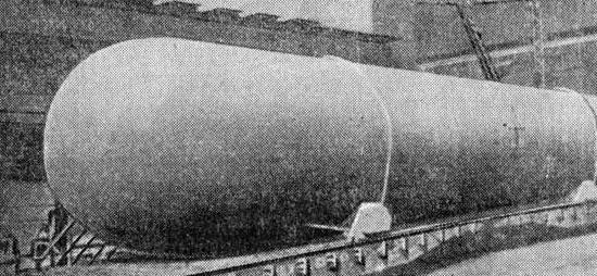 Габаритный газгольдер на железнодорожной платформе