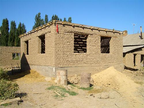 Как своими руками построить саманный дом своими руками 8