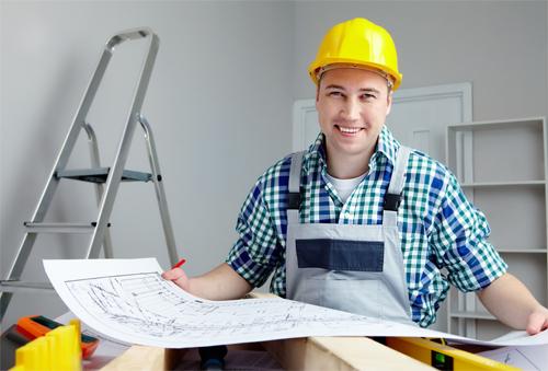 Кого нанять для ремонта квартиры?