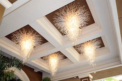 Потолочная люстра – украшение вашего дома