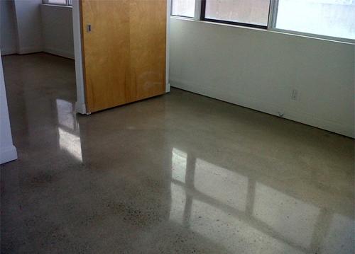 Как покрасить бетонные полы