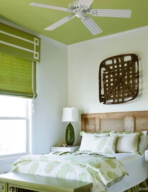 Какую краску выбрать для потолка?