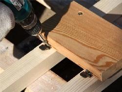 Как производится сборка каркаса для террасной доски