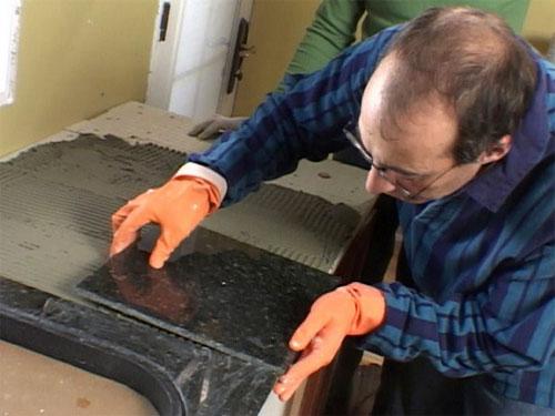 Обрезка и установка плитки