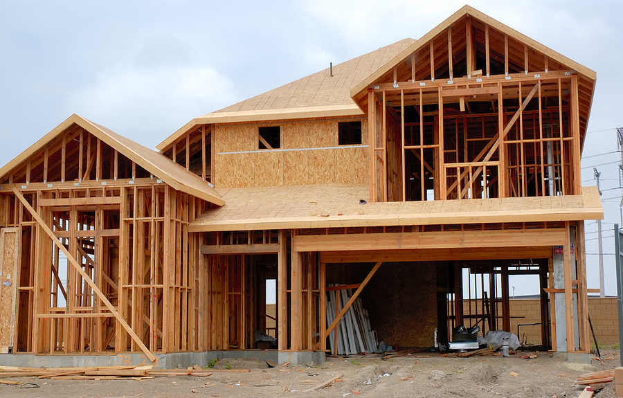Дома из бруса: плюсы и минусы строительства