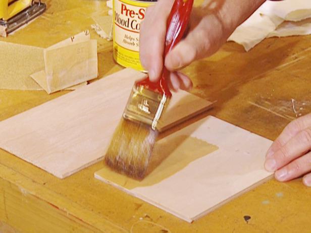 Нанесение пропитки на древесину
