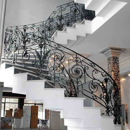 """Декоративные кованые ограждения для лестниц от """"Кузня Вакулы"""""""