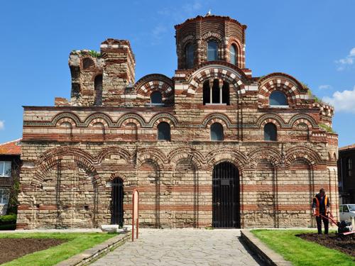 Отдохните от мегаполиса с туром в Болгарию