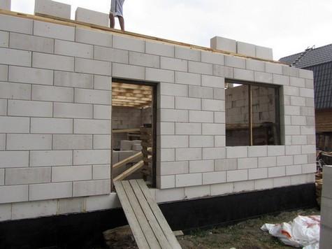 Использование газоблоков или газобетона для качественной постройки