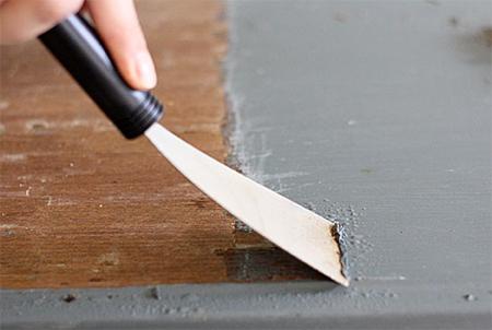 Как удалять старую краску с различных поверхностей