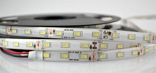 Светодиодная самоклеющаяся лента 12В – палитра видов и применение