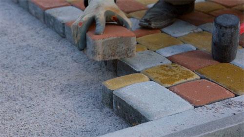 Тротуарная плитка: особенности и критерии выбора