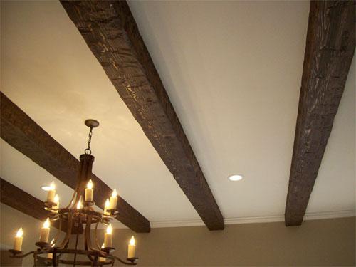 Натяжной потолок с балками: особенности и преимущества конструкции