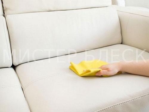 Чем оттереть йод с мебели
