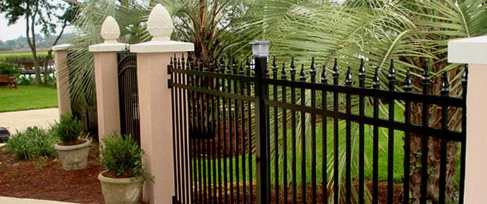 Металлические заборы кованые секционные для дачи и парка